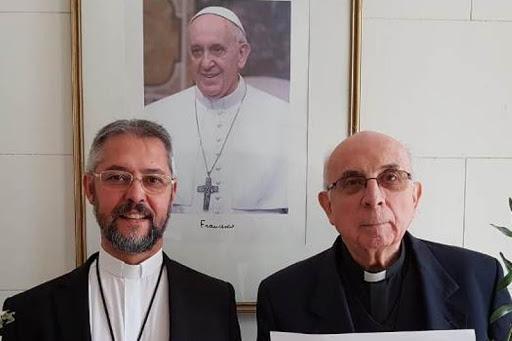 Radrizzani junto a su sucesor, el actual Arzobispo.